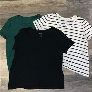 Lot of 3 a new day scoop neck T-shirt's